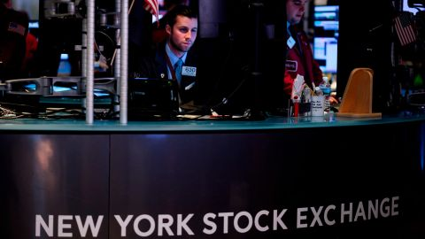 A trader works ahead of the closing bell on the floor of the New York Stock Exchange (NYSE) on March 18, 2019 in New York City. - Wall Street stocks finished higher, with gains from petroleum companies and banks more than offsetting another drop in Boeing shares. (Photo by Johannes EISELE / AFP)        (Photo credit should read JOHANNES EISELE/AFP/Getty Images)