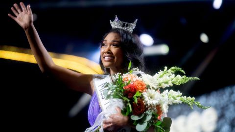 Miss Greene County Brianna Mason is crowned Miss Tennessee in the final round of the Miss Tennessee Scholarship Competition at Thompson-Boling Arena in Knoxville, Tennessee on Saturday, June 29, 2019. This photo was taken with a Hoya Star Six Filter.Kns Miss Tennessee Finals Crowning