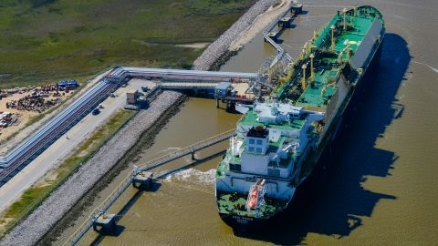 More than $500 billion of LNG projects are on the way in the United States as energy companies seek to take advantage of strong demand from Asia.