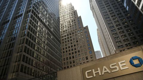 NEW YORK, NY - APRIL 15: A Chase bank office stands in lower Manhattan on April 15, 2016 in New York City. As global markets continue to be rattled by the fall in energy prices and the easing of the Chinese economy, JPMorgan Chase, Bank of America and Wells Fargo announced on Thursday that their profits fell in the first quarter. At JPMorgan revenue fell 13 percent from a year earlier.  (Photo by Spencer Platt/Getty Images)