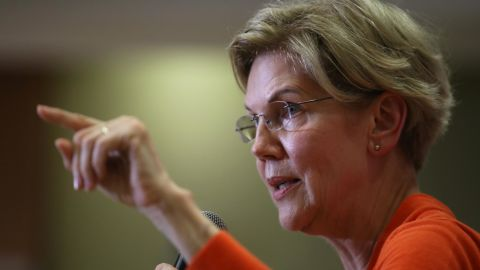 SIOUX CITY, IOWA - JULY 18: Democratic presidential hopeful, U.S. Sen. Elizabeth Warren (D-MA) speaks during a town hall campaign event on July 18, 2019 in Sioux City, Iowa. Warren is campaigning in Iowa as she trails in the polls Democratic front runner, former U.S. Vice President Joe Biden.  (Photo by Justin Sullivan/Getty Images)