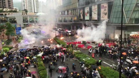 hong kong protests andrew stevens tense scene lklv vpx _00004220.jpg