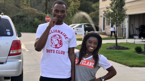 Pictures from Simone Biles verified twitter show her and her brother, Tevin Biles-Thomas.