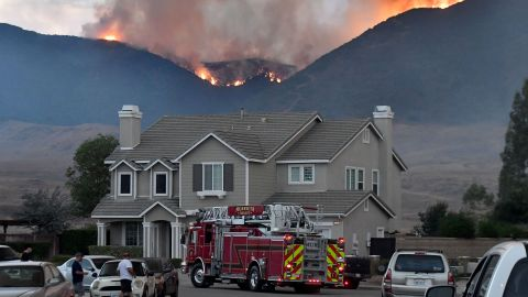 Mandatory evacuations have been issued for Murrieta as the Tenaja fire creeps closer to residential areas.