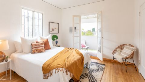 This one-bedroom, one bath in Angelino Heights sold as a tenancy in common for $535,000.