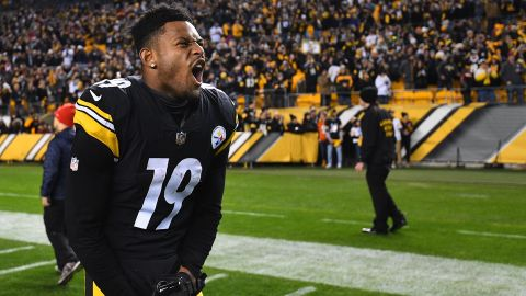 PITTSBURGH, PA - DECEMBER 30: JuJu Smith-Schuster #19 of the Pittsburgh Steelers reacts as he watches the Cleveland Browns play the Baltimore Ravens on the scoreboard at Heinz Field following the Steelers 16-13 win over the Cincinnati Bengals on December 30, 2018 in Pittsburgh, Pennsylvania.  (Photo by Joe Sargent/Getty Images)