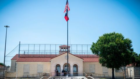 Mason was incarcerated at the Federal Medical Center Fort Worth between 2018 and 2019.