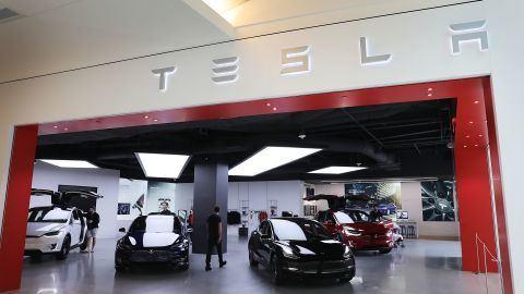 MIAMI, FLORIDA - APRIL 04: A Tesla showroom is seen on April 04, 2019 in Miami, Florida. Tesla announced a first quarter 31% drop in vehicles that were delivered to customers compared to the prior quarter. The news caused the stock to drop approximately 8%.(Photo by Joe Raedle/Getty Images)