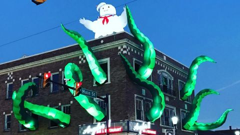 An Italian restaurant in Pennsylvania is responsible for this spooky and spectacular Halloween decoration.