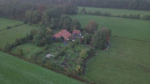 dutch family found on isolated farm mh orig_00000000.jpg