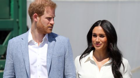 JOHANNESBURG, SOUTH AFRICA - OCTOBER 02: Prince Harry, Duke of Sussex and Meghan, Duchess of Sussex visit a township to learn about Youth Employment Services on October 02, 2019 in Johannesburg, South Africa.  (Photo by Chris Jackson/Getty Images)