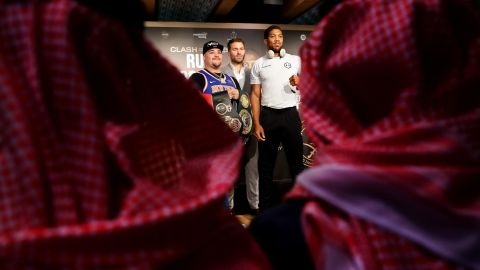 """Andy Ruiz Jr. (left) and Anthony Joshua (right) at the """"Clash on the Dunes"""" press conference."""