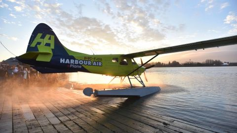 Harbour Air Pilot and CEO Greg McDougall taxis to the water to fly the worlds first all-electric, zero-emission commercial aircraft during a test flight in a de Havilland DHC-2 Beaver from Vancouver International Airports South Terminal on the Fraser River in Richmond, British Columbia, Canada, December 10, 2019. - The plane, which first flew in 1947, became the worlds first commercial test of an all-electric airplane. It is now powered by the magni500, a 750 horsepower (HP) all-electric motor, built by magniX. (Photo by Don MacKinnon / AFP) (Photo by DON MACKINNON/AFP via Getty Images)