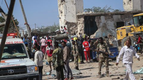 Somali soldiers secure the scene.