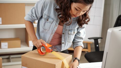 Earn 4 points per dollar on shipping services purchased in the U.S. when it's one of your top two categories each month.