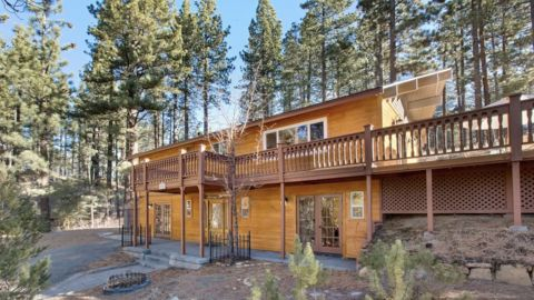 South Lake Tahoe Cabin with Deck and Hot Tub