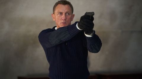B25_25594_RJames Bond (Daniel Craig) prepares to shoot in NO TIME TO DIE,an EON Productions and Metro-Goldwyn-Mayer Studios filmCredit: Nicola Dove© 2020 DANJAQ, LLC AND MGM.  ALL RIGHTS RESERVED.