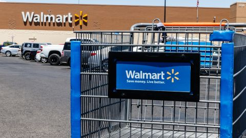 The Chase Freedom Flex card will earn 5% cash back at Walmart in the 4th quarter of 2021.
