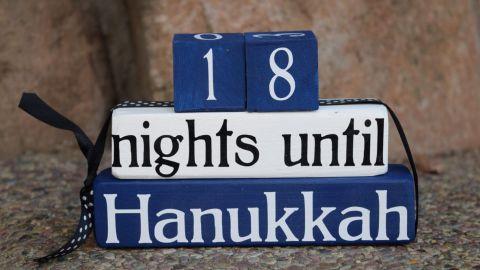 Daisy Blossom Creation Hanukkah Countdown Blocks