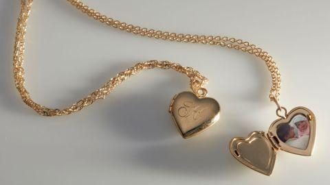 Dollhouse Heart Locket in Gold