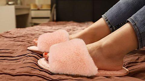 LongBay Faux Fur Memory Foam Slippers