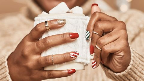 Kiss ImPress Press-on Manicure Kit Holiday Designs