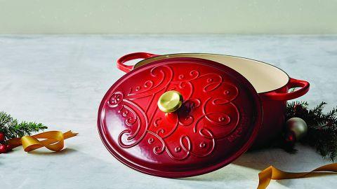 Le Creuset Noel 6.75-Quart Cast-Iron Oval Dutch Oven With Lid