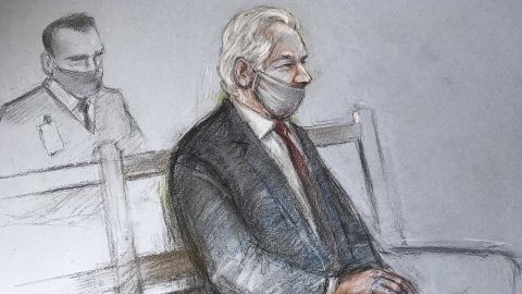 """A sketch depicts Assange appearing at the Old Bailey courthouse in London for a ruling in his extradition case on Monday, January 4. A judge <a href=""""https://edition.cnn.com/2021/01/04/uk/julian-assange-extradition-wikileaks-us-gbr-intl/index.html"""" target=""""_blank"""">rejected a US request to extradite Assange,</a> saying that such a move would be """"oppressive"""" by reason of his mental health."""