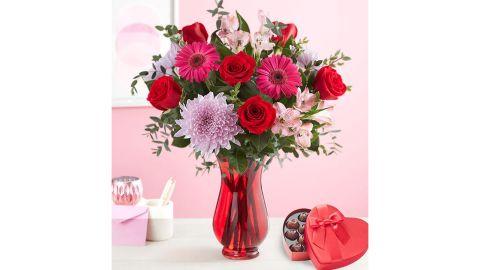 Valentine Romance Bouquet With Chocolate