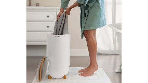 Zadro Ultra-Large Luxury Bucket-Style Towel Warmer
