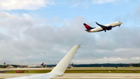 A Delta Airlines airplane takes off from Atlanta International Airport, Georgia on June 10, 2019. (Photo by Daniel SLIM / AFP)        (Photo credit should read DANIEL SLIM/AFP via Getty Images)