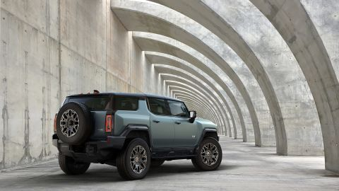 GM unveils new electric Hummer SUV
