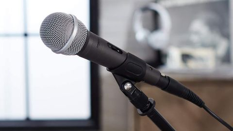 AmazonBasics Dynamic Vocal Microphone — Cardioid