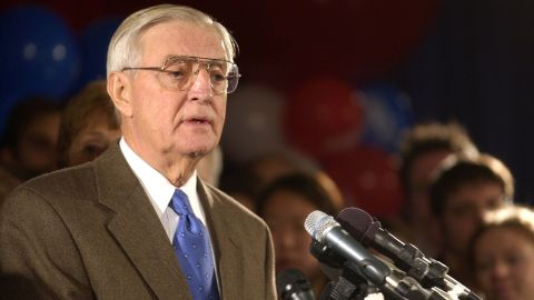 ST. PAUL, MN - NOVEMBER 6:  Former U.S. Vice President Walter Mondale concedes the election to his Republican opponent Norm Coleman November 6, 2002 in St. Paul, Minnesota. Mondale and Coleman were in a race for U.S. Senate that was too close to call the evening before.  (Photo by Mark Erickson/Getty Images)