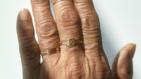 Grand Cygnet Ring, Yellow Gold