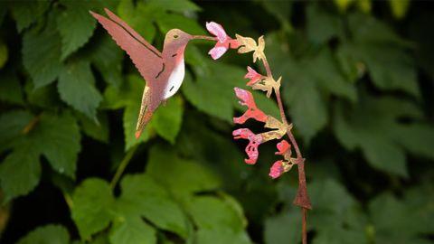RustyBirdsShop Hand-Painted Metal Hummingbird Garden Stake