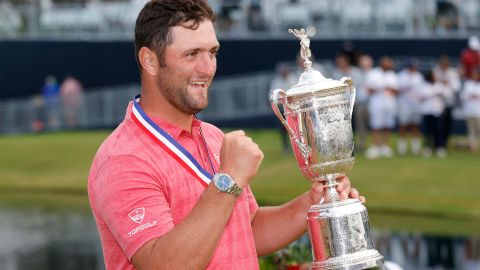 SAN DIEGO, CALIFORNIA - JUNE 20: Jon Rahm of Spain celebrates with the trophy after winning the final round of the 2021 U.S. Open at Torrey Pines Golf Course (South Course) on June 20, 2021, in San Diego, California. (Photo by Ezra Shaw/Getty Images)