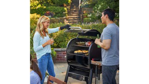 Weber SmokeFire EX4 Wood-Fired Pellet Grill