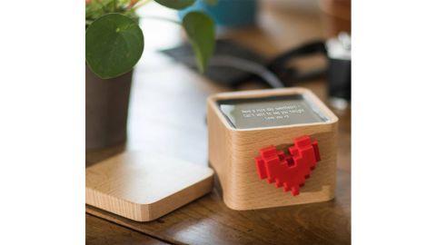Lovebox Spinning Heart Messenger
