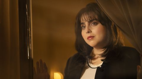 Impeachment: American Crime Story -- Pictured: Beanie Fieldstein as Monica Lewinsky.