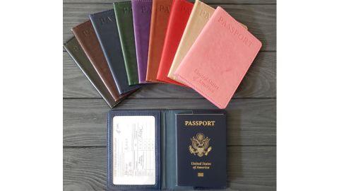 HenneysBoutique Vaccination Passport Holder