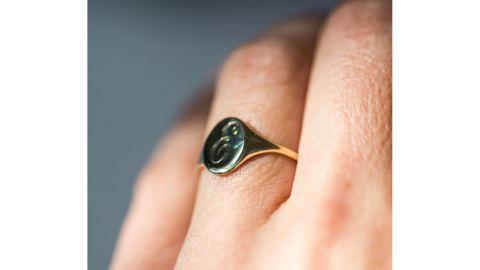 Catbird Small Heirloom Signet Ring
