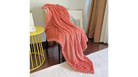 Dissa Flannel Blanket with Pom Pom Fringe