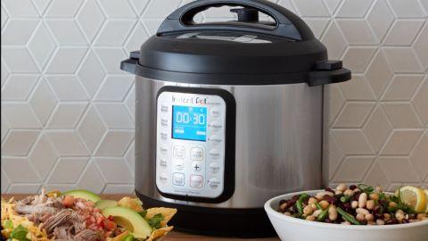 Instant Pot Smart Wi-Fi 6 Quart Multi-Use Pressure Cooker