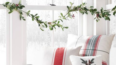 Hearth & Hand With Magnolia 6-Foot Faux Mistletoe Plant Garland