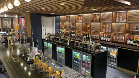 The bar at the Centurion Lounge.