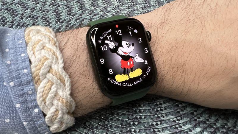 Đánh giá Apple Watch Series 7: Màn hình lớn hơn có xứng đáng không?
